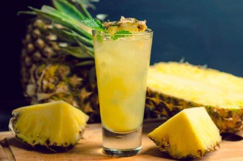 acqua allo zenzero e ananas per dimagrire